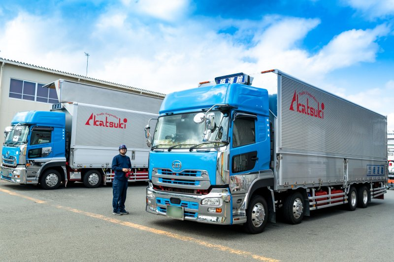 がっつり稼げます!月50万円も可能!大型トラックドライバー 滋賀