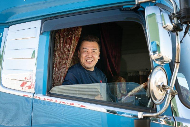 賞与年2回!地場配送で毎日家に帰れる!中型トラックドライバー募集!(伊勢原)